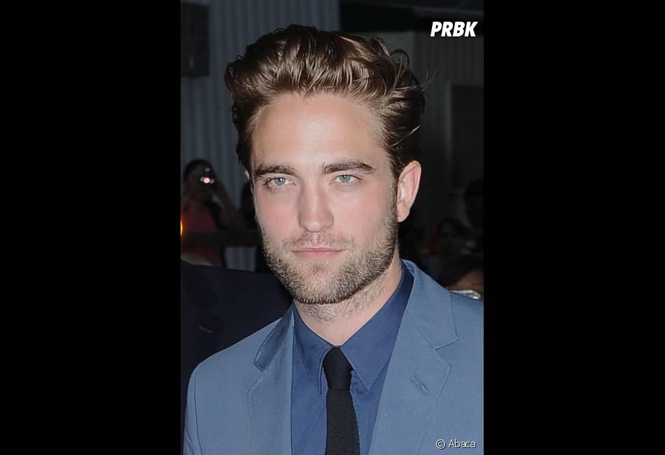 Robert Pattinson fait taire les haters !