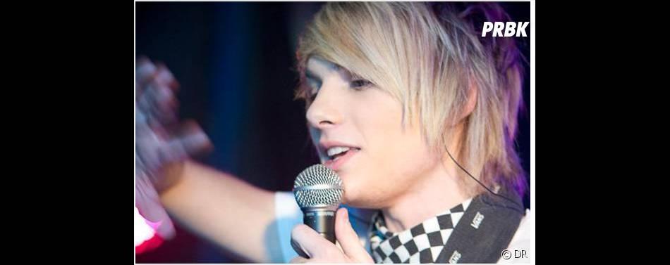 Une gueule d'ange et une belle voix, Romain à tout d'une popstar !