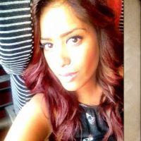 Amel Bent : transformée en rousse sexy pour son retour à la télé ! (PHOTOS)