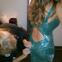 Sofia Vergara : Oops en plein Emmy Awards, ses fesses font craquer sa robe ! (PHOTO)