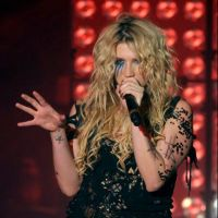 Kesha : elle s'est tapée un fantôme !