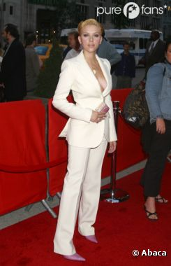 Scarlett Johansson est célibataire !