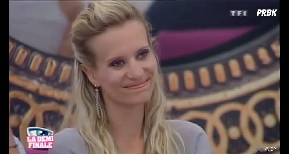 Audrey sourit à tous ceux qui l'ont critiquée