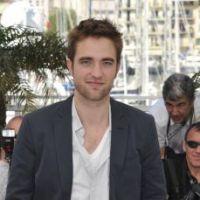 Robert Pattinson : son premier baiser avec Kristen Stewart le hante encore