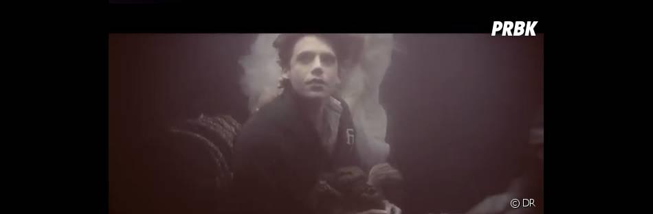 Mika est émouvant dans  Underwater  !
