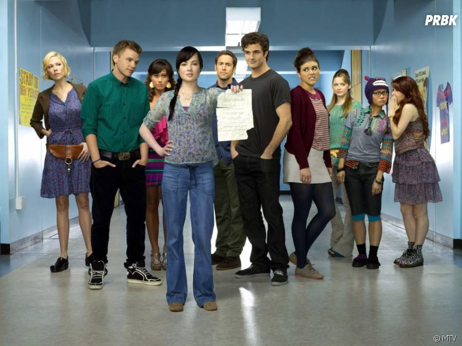 Jenna va se poser une question dans l'épisode 1 de la saison 2 d'Awkward
