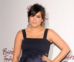 Lily Allen, encore très enceinte aux Fashion Awards 2012