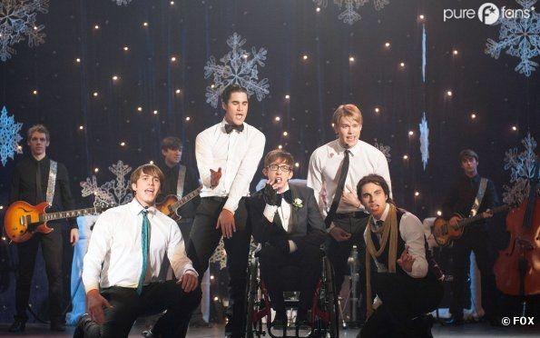 Les gars font le show dans Glee