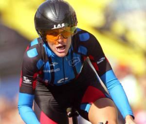 L'Union Cycliste Internationale (UCI) lui a retiré ses septs victoires du Tour de France.