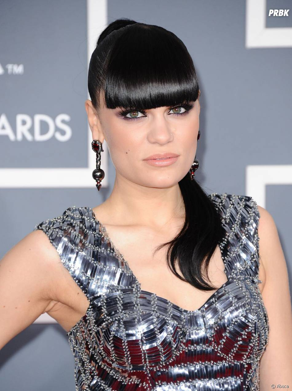 Jessie J va-t-elle réussir à faire une croix sur ses beaux cheveux ?