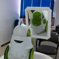 Qbo, le robot qui prend conscience de son existence