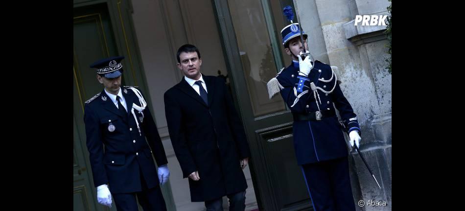 Manuel Valls, le ministre de l'Intérieur, se rendra dans la journée auprès des camarades des policiers tués.