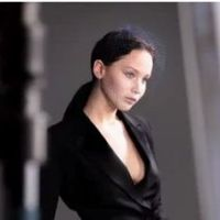 Jennifer Lawrence : merci Photoshop pour ses pubs Miss Dior