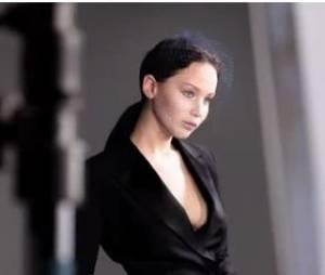 Jennifer Lawrence dans les coulisses de son photoshoot pour Dior