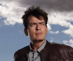 """Charlie Sheen appelle ses followers à """"étaler des crottes de chien"""" sur la porte de l'école de sa fille"""