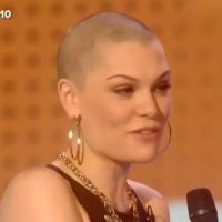 Jessie J : chauve qui peut, elle a la boule à zéro !
