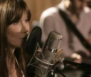 """Carla Bruni chante Mon Raymond, extrait de son nouvel album """"Little French Songs""""."""