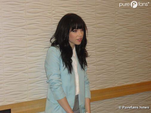Carly Rae Jepsen, en conférence de presse à Paris pour le concert de Justin Bieber le mardi 19 mars 2013