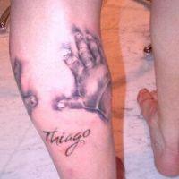 Messi : après le visage de maman, les mains de fiston en tatouage