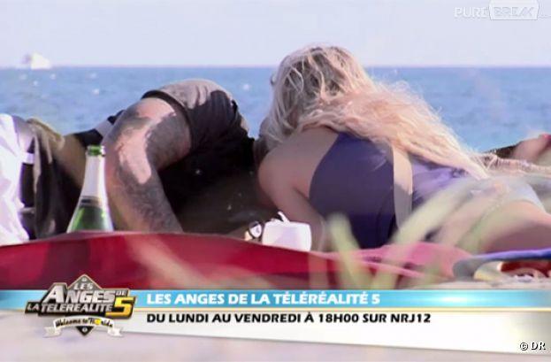 Le baiser d'Aurélie et Benjamin dans Les Anges.