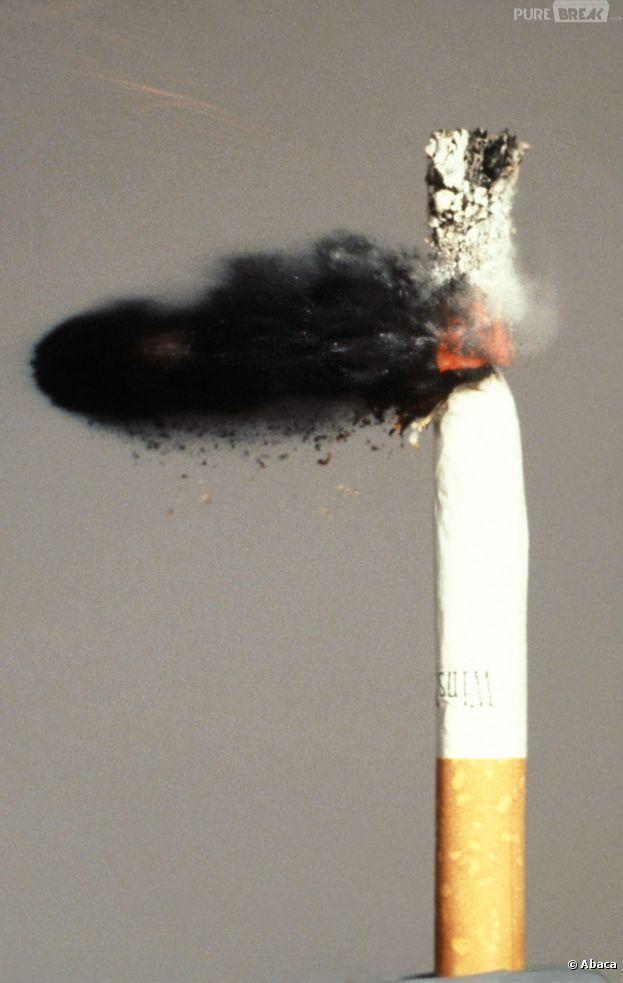 La cigarette bientôt banni des voitures ?