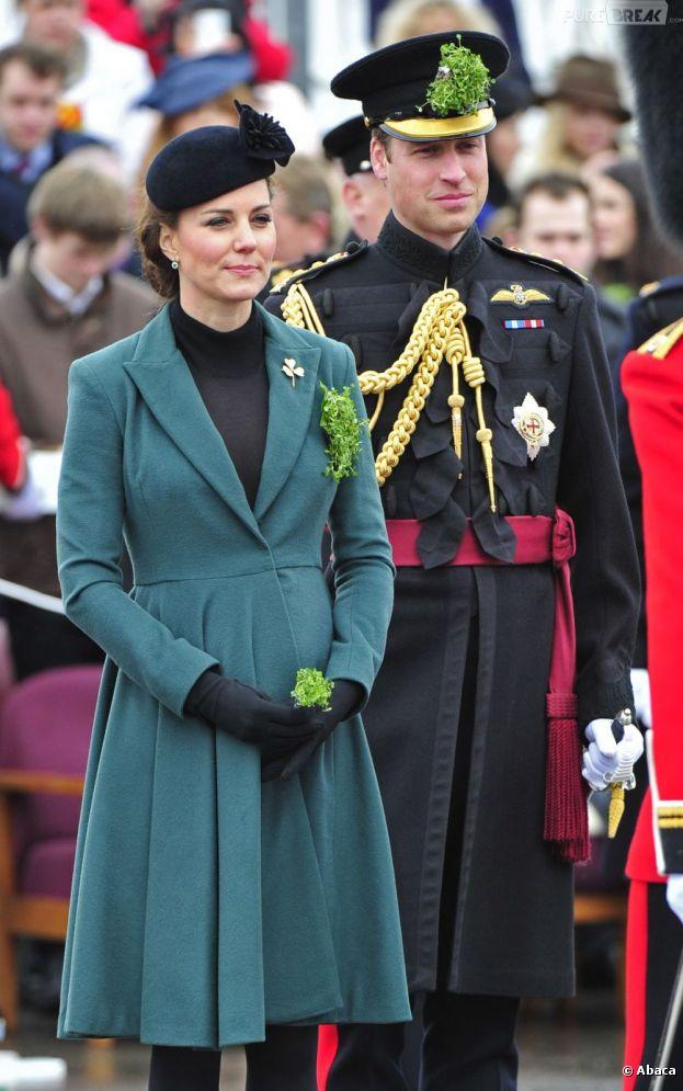 Le Prince William voudrait quitter la Royal Air Force pour se consacrer à son futur bébé