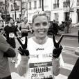 Sylvie Tellier a le sourire avant de prendre le départ du Marathon de Paris 2013