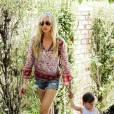Kimberly Stewart a 33 ans et est maman