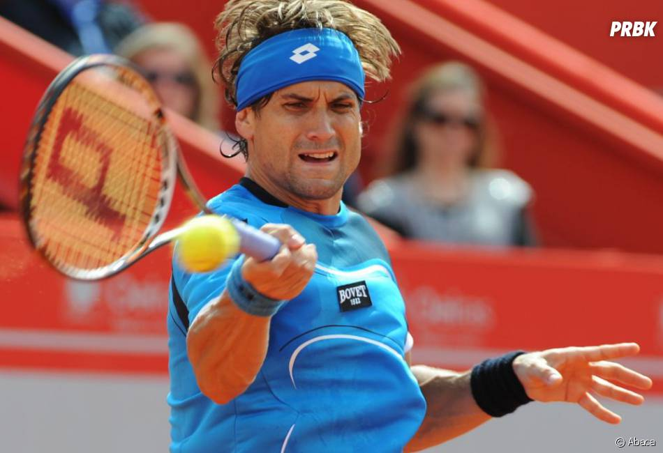 "David Ferrer, ""fan"" du Galaxy S4, ne lâche pas son iPhone"
