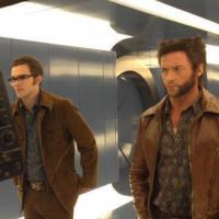 X-Men Days of Future Past : retour dans les 70's pour Nicholas Hoult et Hugh Jackman