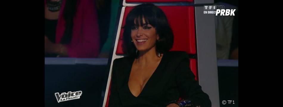 Jenifer a dévoilé un décolleté plongeant dans The Voice 2.