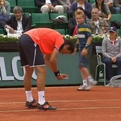 Roland Garros 2013 : Sergiy Stakhovsky sort son portable en plein match pour contester une faute