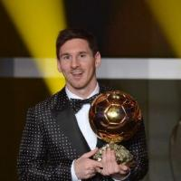 Lionel Messi en slip pour Dolce & Gabbana : Cristiano Ronaldo rigole