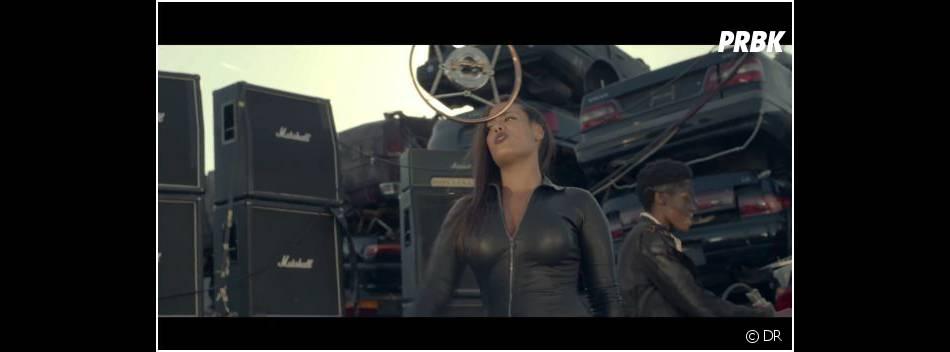 Amel Bent sexy en cuir dans le clip de Quand la musique est bonne