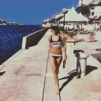 Rita Ora : sexy en bikini Filles à Papa à Malte