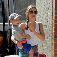Miranda Kerr : son fils a les mains baladeuses