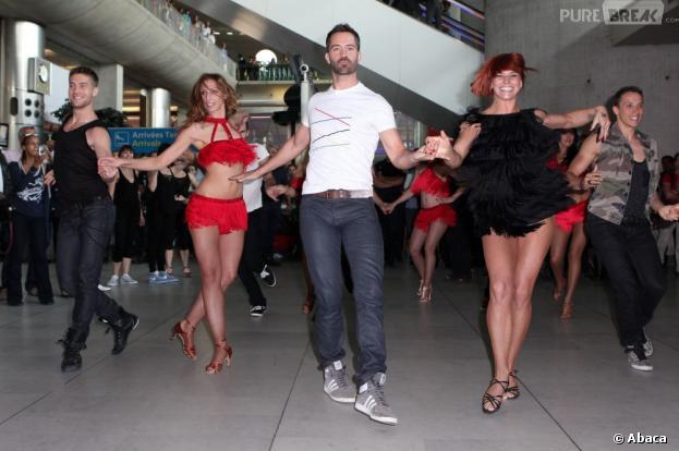 Emmanuel Moire et Fauve : un flashmob endiablé à l'aéroport de Roissy pour Danse Avec Les Stars