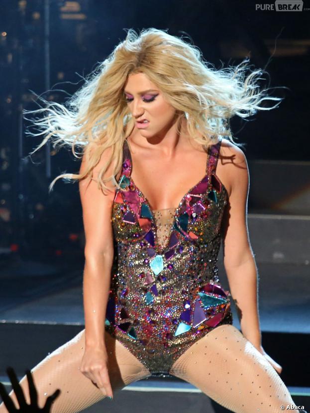 Kesha sur la scène du Trianon, le 16 juillet 2013 à Paris