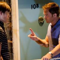 Dexter saison 8, épisode 7 : Zach est incontrôlable et retour mystérieux pour Dex (SPOILER)