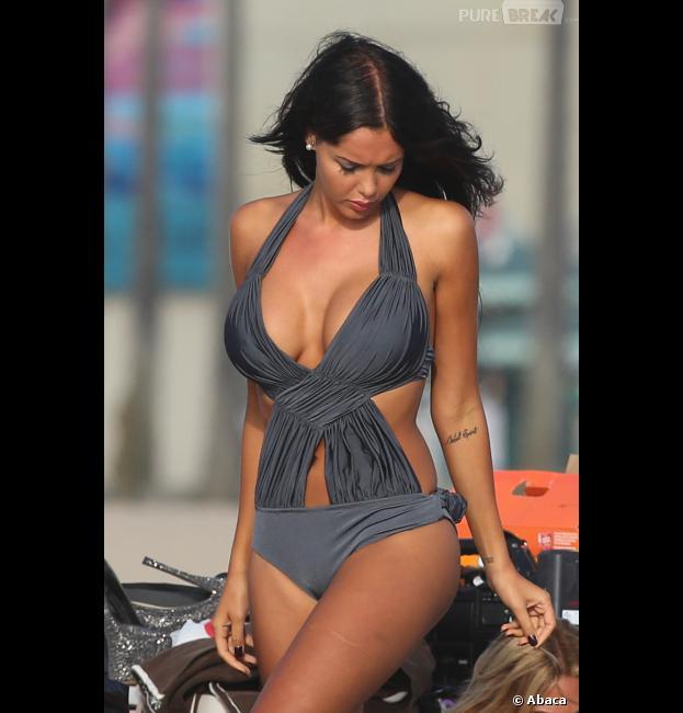 Nabilla sort les plus beaux bikinis