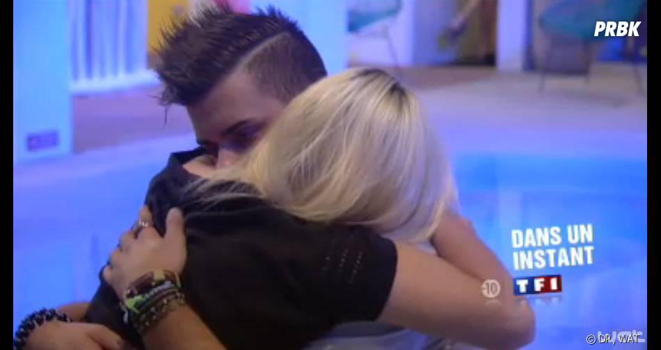 Secret Story 7 : Vincent tente de réconforter Alexia.