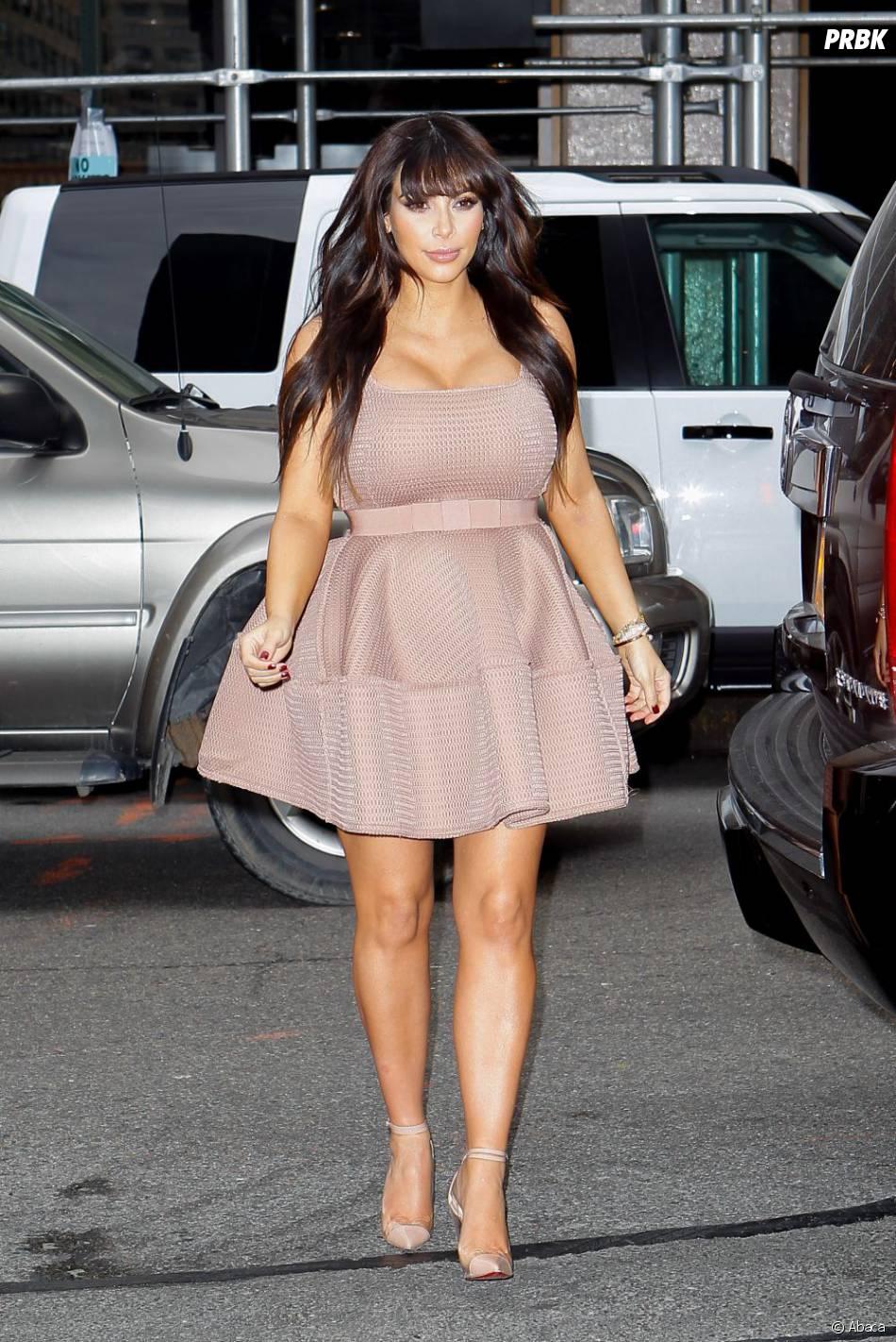 Très Kim Kardashian : avant de poser pour Playboy, elle pose enceinte  ZH51