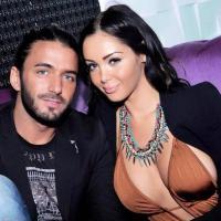 Nabilla Benattia : la bimbo en mode sexy et décolleté avec Thomas Vergara