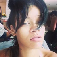 Rihanna sans maquillage sur Instagram : une mise à nu...habillée