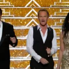 Neil Patrick Harris aux Emmy Awards 2013 : son show musical délirant avec Nathan Fillion