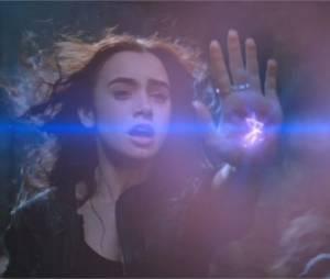 Lily Collins a joué dans The Mortal Instruments