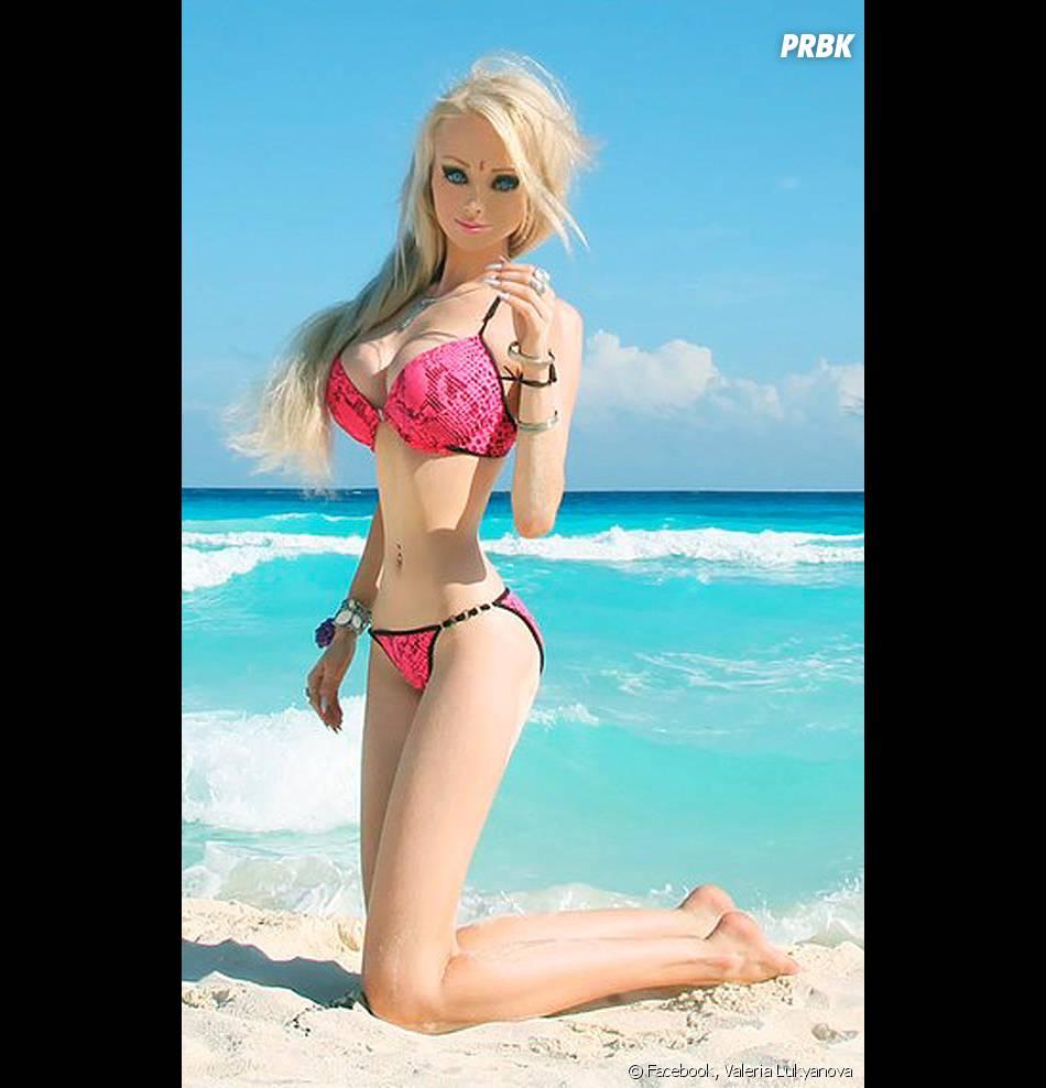 Valeria Lukyanova, ultra-refaite pour ressembler au maximum à une Barbie