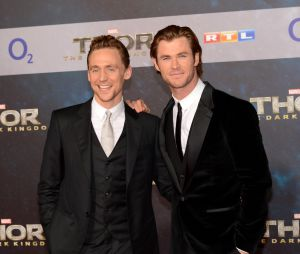Tom Hiddleston et Chris Hemsworth à l'avant-première de Thor : le monde des ténèbres à Berlin le 27 octobre 2013