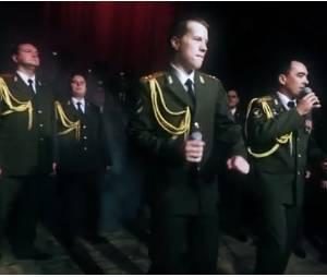 Get Lucky : des policiers russes chantent les Daft Punk