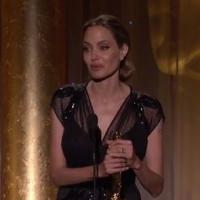 Angelina Jolie reçoit un Oscar d'honneur : Brad Pitt au bord des larmes